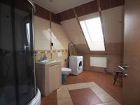 oupelna v patře - Prodej domu v osobním vlastnictví 178 m², Jedomělice