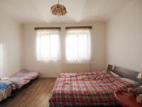 1.pokoj v přízemí - Prodej domu v osobním vlastnictví 178 m², Jedomělice