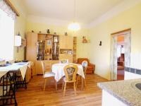 Jídelna s kuchyňským koutem - Prodej domu v osobním vlastnictví 85 m², Kladno
