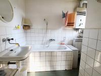 Koupelna - Prodej domu v osobním vlastnictví 85 m², Kladno
