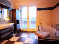 1.koupelna - Prodej bytu 4+kk v osobním vlastnictví 134 m², Praha 5 - Košíře
