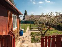 vstup na zahradu - Prodej domu v osobním vlastnictví 207 m², Ondřejov