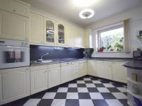 Kuchyně - Prodej domu v osobním vlastnictví 244 m², Praha 5 - Velká Chuchle