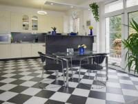Jídelna - Prodej domu v osobním vlastnictví 244 m², Praha 5 - Velká Chuchle