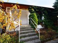 Vstup do 2NP - Prodej domu v osobním vlastnictví 244 m², Praha 5 - Velká Chuchle