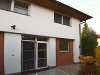 Vchod do 1 NP - Prodej domu v osobním vlastnictví 244 m², Praha 5 - Velká Chuchle