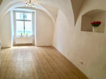 Pronájem kancelářských prostor 24 m², Kladno