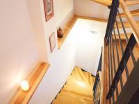 Detail schodiště - Prodej domu v osobním vlastnictví 184 m², Kladno