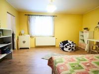 2.patro: Pokoj 1  - Prodej domu v osobním vlastnictví 184 m², Kladno