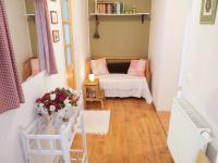 1.patro: chodba - Prodej domu v osobním vlastnictví 184 m², Kladno
