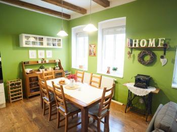 Jídelní kout - Prodej domu v osobním vlastnictví 184 m², Kladno