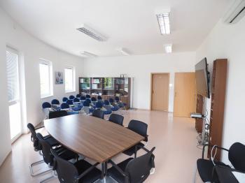 Pronájem kancelářských prostor 184 m², Kladno