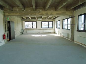 s 8 okny - Pronájem kancelářských prostor 95 m², Kladno