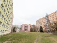 okolí - mezi domy - Pronájem bytu 2+kk v osobním vlastnictví 41 m², Kladno