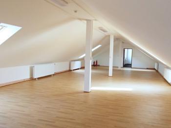 velký prostor pro různé využití - Pronájem komerčního objektu 149 m², Rakovník