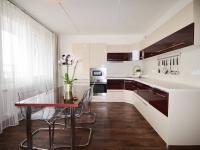 Kuchyňský kout - Prodej bytu 3+kk v osobním vlastnictví 68 m², Slaný