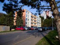 Pohled na dům - Prodej bytu 3+kk v osobním vlastnictví 68 m², Slaný