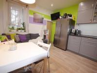 Kuchyně - Prodej nájemního domu 220 m², Kladno