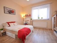 Ložnice - Prodej nájemního domu 220 m², Kladno