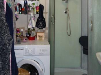 do koupelny se sprchvým koutem - Prodej bytu 3+kk v osobním vlastnictví 60 m², Rakovník