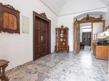 hlavní vstup - Prodej penzionu 880 m², Vinařice