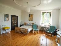 ložnice - Prodej domu v osobním vlastnictví 260 m², Kmetiněves