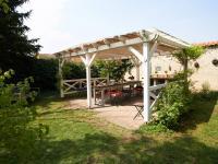 pergola - Prodej domu v osobním vlastnictví 260 m², Kmetiněves