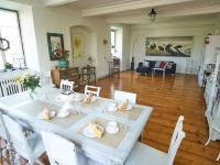 obývací pokoj s jídelnou - Prodej domu v osobním vlastnictví 260 m², Kmetiněves