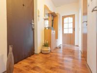Předsíň - Prodej bytu 2+1 v osobním vlastnictví 52 m², Kladno