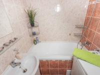 Koupelna - Prodej bytu 2+1 v osobním vlastnictví 52 m², Kladno