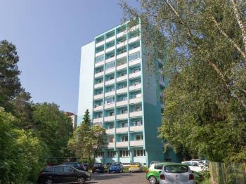Dům - Prodej bytu 2+1 v osobním vlastnictví 52 m², Kladno