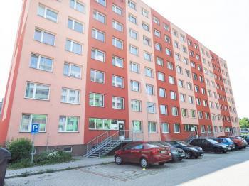 dům - Prodej bytu 3+1 v osobním vlastnictví 69 m², Kladno