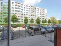 výstup z domu - Prodej bytu 3+1 v osobním vlastnictví 69 m², Kladno