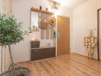 předsíň - Prodej bytu 3+1 v osobním vlastnictví 69 m², Kladno