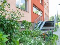 vstup do domu - Prodej bytu 3+1 v osobním vlastnictví 69 m², Kladno