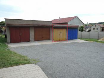 garáž - Prodej bytu 3+1 v osobním vlastnictví 77 m², Hořešovice