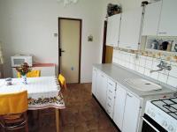 kuchyň - Prodej bytu 3+1 v osobním vlastnictví 77 m², Hořešovice