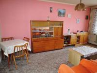 obývací pokoj - Prodej bytu 3+1 v osobním vlastnictví 77 m², Hořešovice