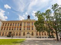 Okolí domu - Prodej bytu 1+kk v osobním vlastnictví 30 m², Praha 3 - Žižkov