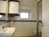 koupelna - Pronájem bytu 2+kk v osobním vlastnictví 40 m², Kladno