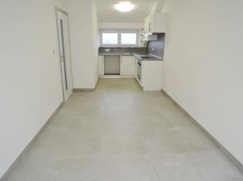 obývací pokoj s kuchyňským koutem - Pronájem bytu 2+kk v osobním vlastnictví 40 m², Kladno