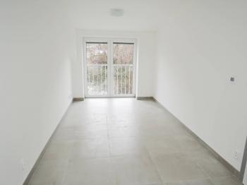 obývací pokoj - Pronájem bytu 2+kk v osobním vlastnictví 40 m², Kladno