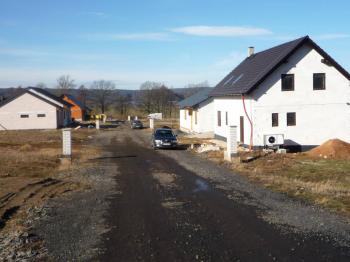 tady do lokality. - Prodej pozemku 3000 m², Zavidov