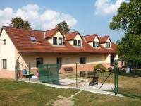 Školka má krásnou zahradu. - Prodej pozemku 3000 m², Zavidov