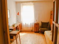 1.pokoj v přízemí - Prodej domu v osobním vlastnictví 168 m², Kněževes
