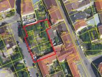 možnost koupě celkových 784 m2 - Prodej pozemku 484 m², Kladno