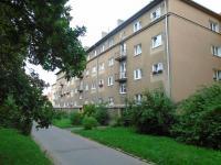 pohled na dům - Pronájem bytu 2+1 v osobním vlastnictví 55 m², Kladno