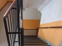 schodiště - Prodej bytu 3+1 v osobním vlastnictví 62 m², Kladno