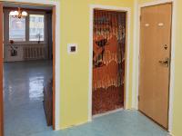 pohled z předsíně  - Prodej bytu 3+1 v osobním vlastnictví 76 m², Praha 6 - Řepy