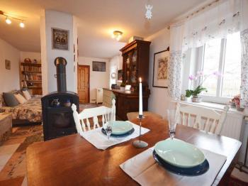 Prodej domu v osobním vlastnictví 120 m², Zvoleněves